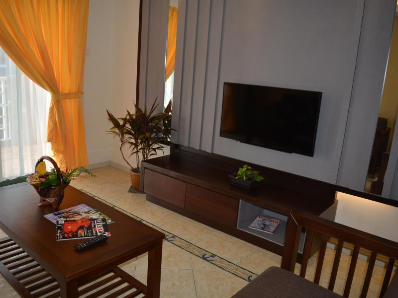 Gold Coast Malacca Living Room