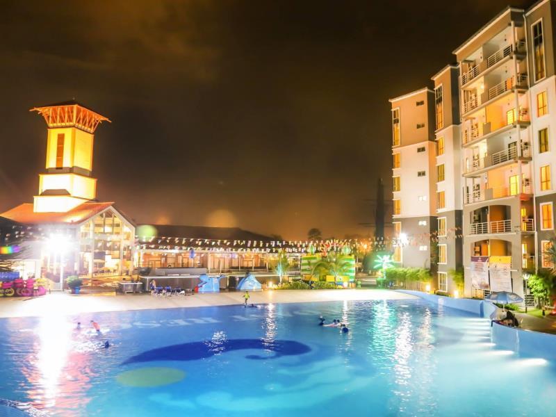 Night view Gold Coast Malacca